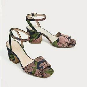 Block- heel Zara brand new sandals.